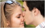 How-to-Kiss-Your-Girlfriend